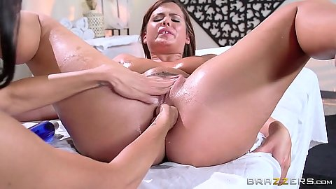 Friendly latina fingering and cunnilingus Keisha Grey and Ava Addams