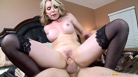 Reverse cowgirl in stockings milf doing a foxy cock riding Courtney Cummz