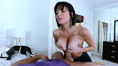On fire mom titty fuck with milf Veronica Avluv