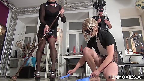 Fetish cleaning and milf pussy eating Barbie Buster