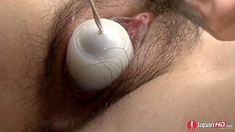 Close up hairy pussy asian Hitomi Usami getting vibrated to almost squirt