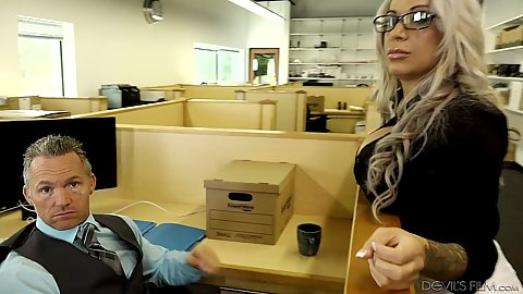 Blonde office chick Alyssa Lynn showing off her big juggs
