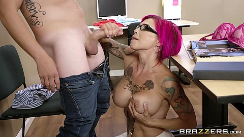 Big boobed glasses oral sex with pulled aside vagina Anna Bell Peaks
