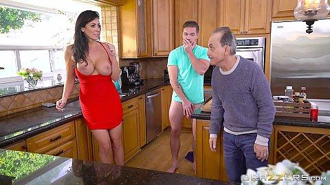 big tit amateur fucked in restaurant kitchen