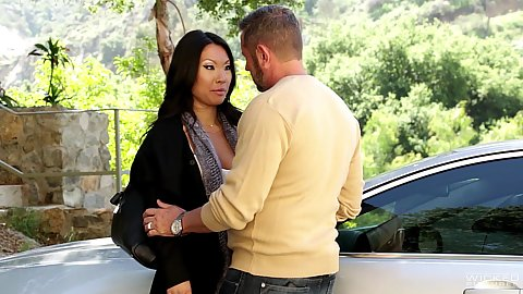 Making out and heading to the bedroom with asian star Asa Akira