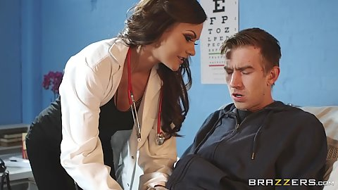 Captivating doctor Tina Kay jerks on patients dick