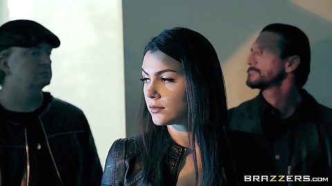 Sweetheart special agent Valentina Nappi enters office illegally