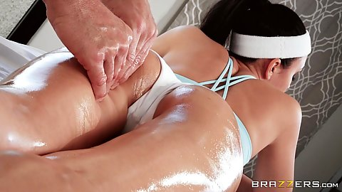 Giving girl allowed oil massage of her ass Ariana Marie