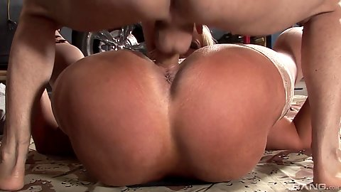 Hardcore pussy pumping a very large melons milf Alura Jenson
