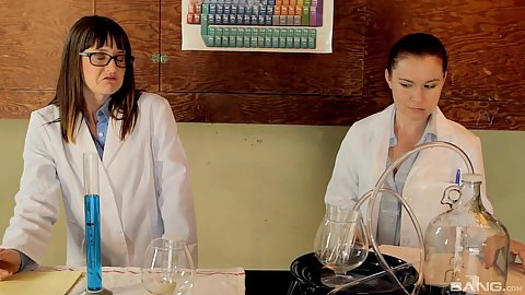 College school experiment in chermistry class and making out Thelma Sleaze and Annabelle Lee