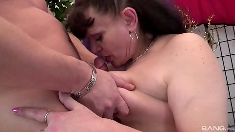 Sagged down natural chest granny titty fuck and oral sex with doggy penetration