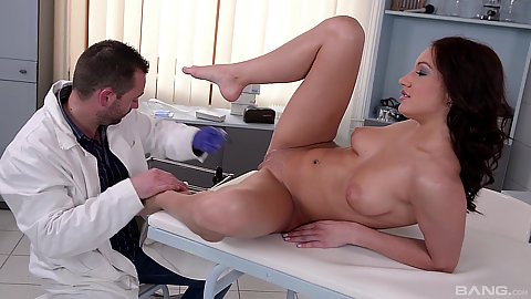 Medical latex gloveso fingering hairless pussy girl Felicia Kiss that came in to get checked out