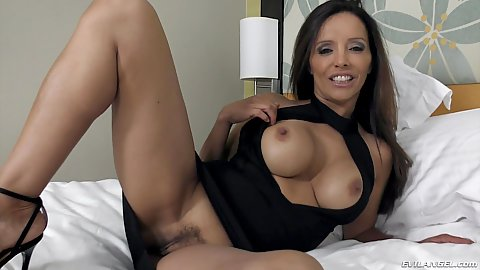 Busty latina milf from South Beach Francesca Le shows her trimmed cunt and pov oral