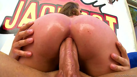 Harley Jade is getting her anal lesson with obvious gaping that comes with it
