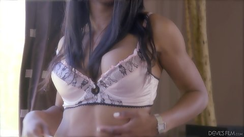 Erotic dark diva Mya Mays making out and giving deep throat
