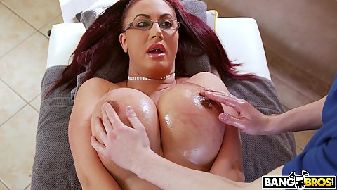 Stepson doing a good job replacing the stuck in traffic masseuse and working stepmom milfs Emma Butt nipples with oil