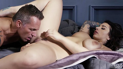 Eating pussy and kissing fleshy and raunchy Ivy Lebelle loves this affair