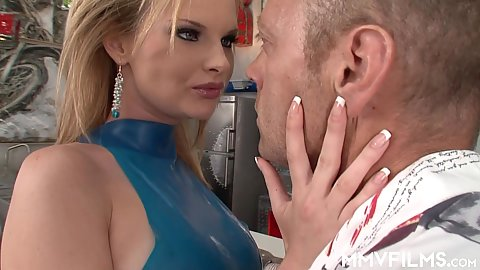 Super babe with super piercing gaze gets a large cock deep throat from in the air 69 Tarra White