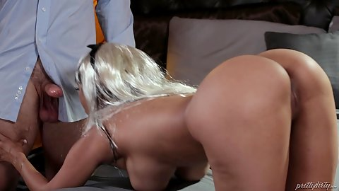 Great butt nice tits oral mouth sucking skills with clairvoyant Ashley Adams and Reena Sky