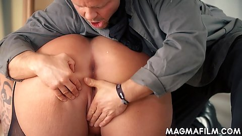 Really big ass worship and pussy fingering on bbw mature Kitty Wilder in lingerie bending over on the floor to get licked
