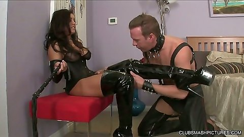Fetish and bondage with latina Francesca Le in femdom maledom