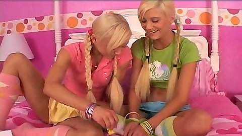 Lil lexy and her lesbian blondie friend making out