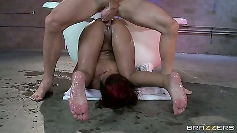 Pile driver skinny black girl Skin Diamond fucked with big white girl and standing fuck